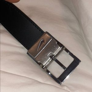Nike Accessories - Reversible black and white nike golf belt